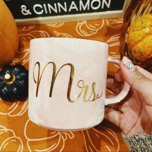 """""""Mrs"""" Pink / White Marble Gold Detailed Mug"""